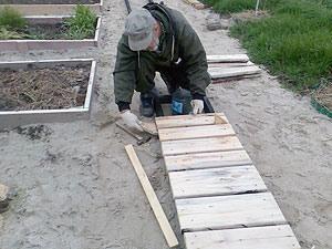 Дорожки деревянные своими руками