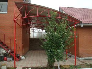 Использование поликарбоната в строительтсве навеса