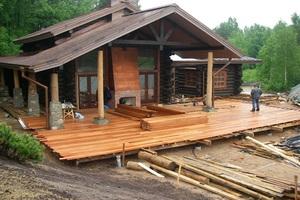 Начало строительства веранды на даче.