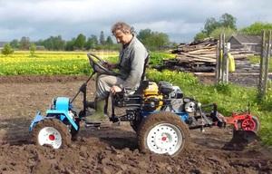 Описание преимуществ мини тракторов, сделанных из мотоблоков