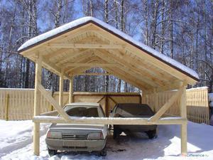 Навес для машины на даче из дерева