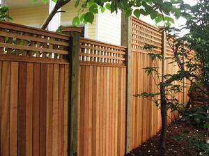Украсить деревянный забор своими руками