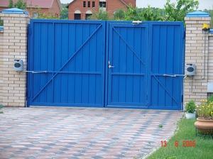 Выбор материала для создания распашных ворот