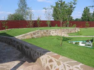 Изготовление подпорной стенки на даче