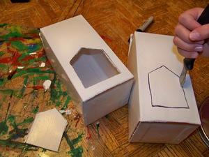 Как сделать кормушку для птиц из коробок фото 932