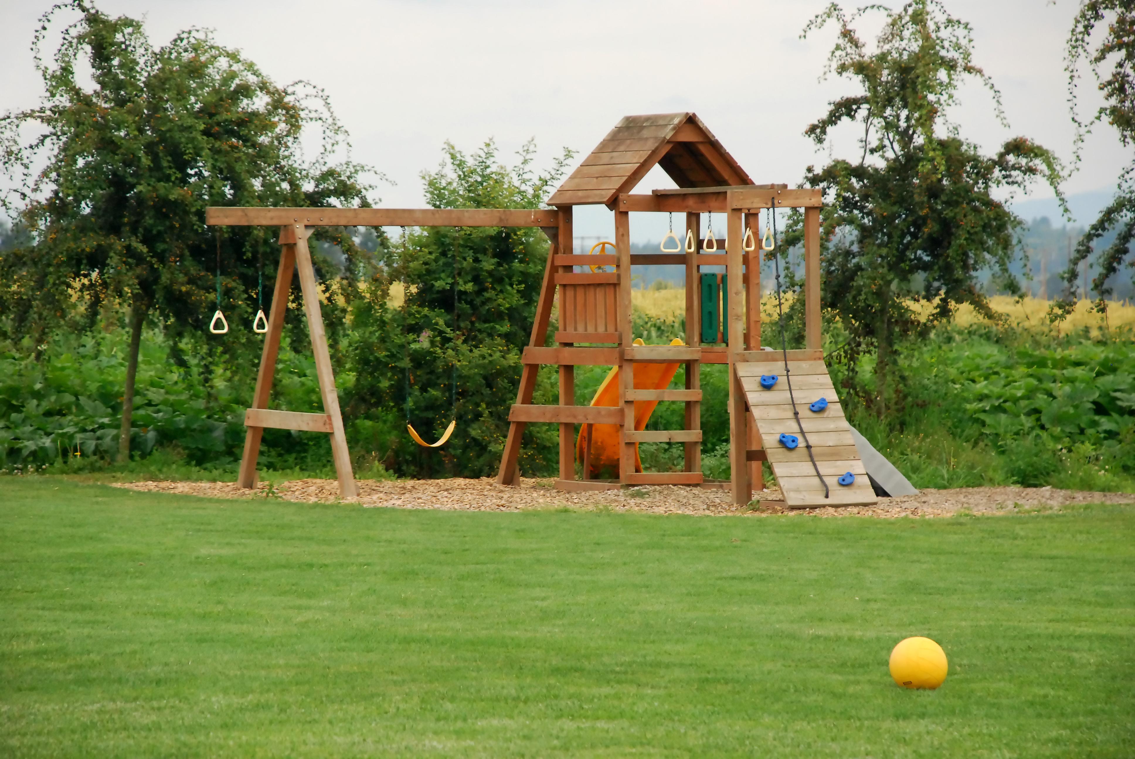 Идеи для детской площадки: виды, выбор территории, технология строительства