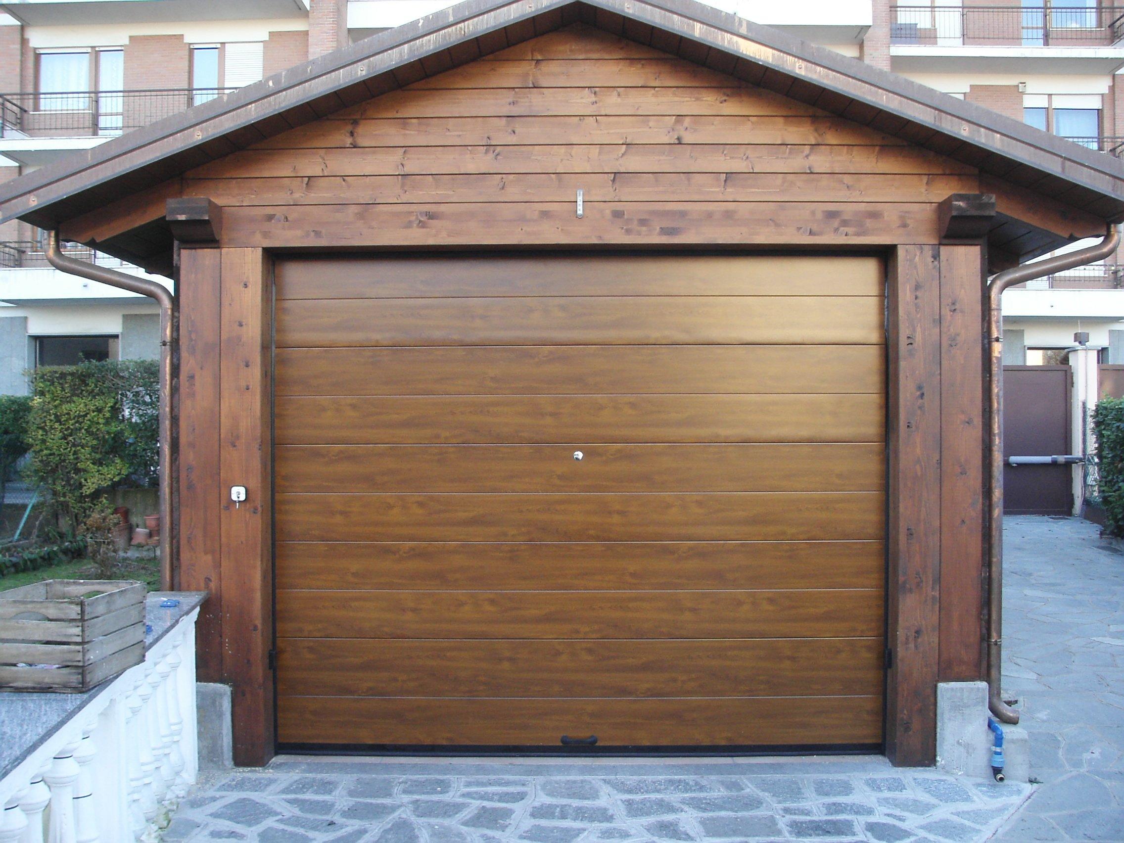 Как сделать простые и надёжные гаражные ворота своими руками