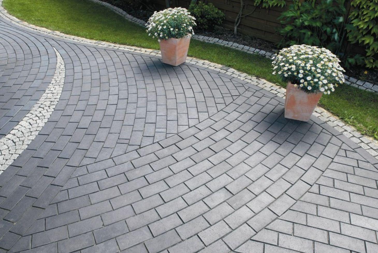 Тротуарная плитка для дачи: виды, варианты и технология укладки
