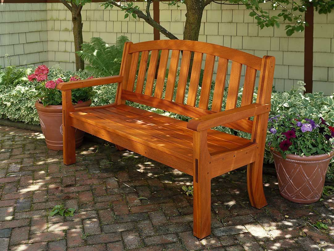 Изготовление скамеек из дерева и металла для дачи