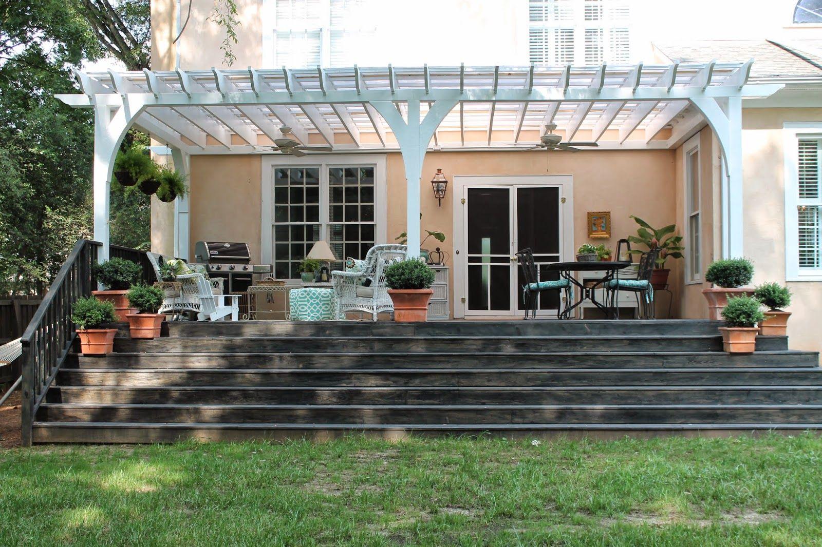 Навес из поликарбоната, пристроенный к дому: монтаж, фото