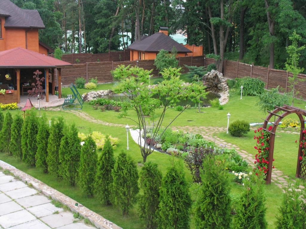 Благоустройство участка загородного дома: проекты и фото