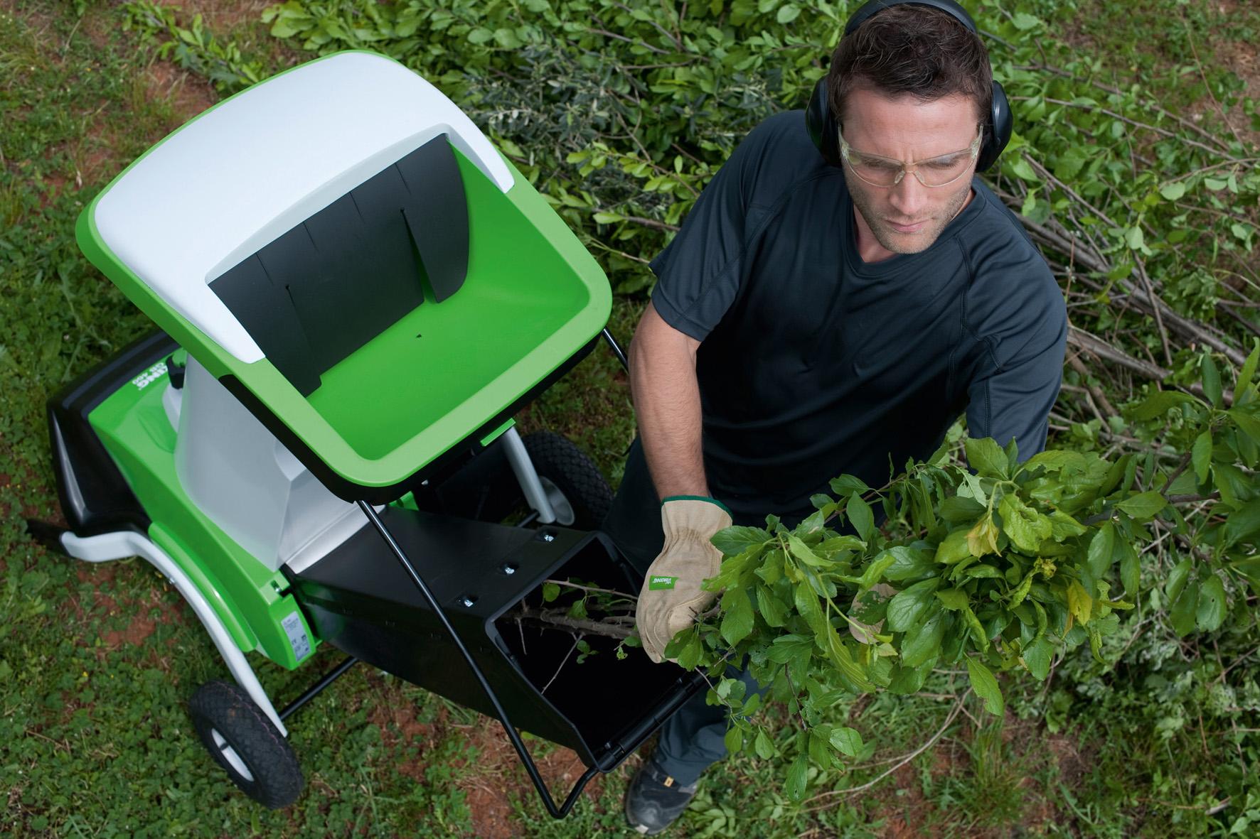 Садовый электрический измельчитель веток: нюансы выбора