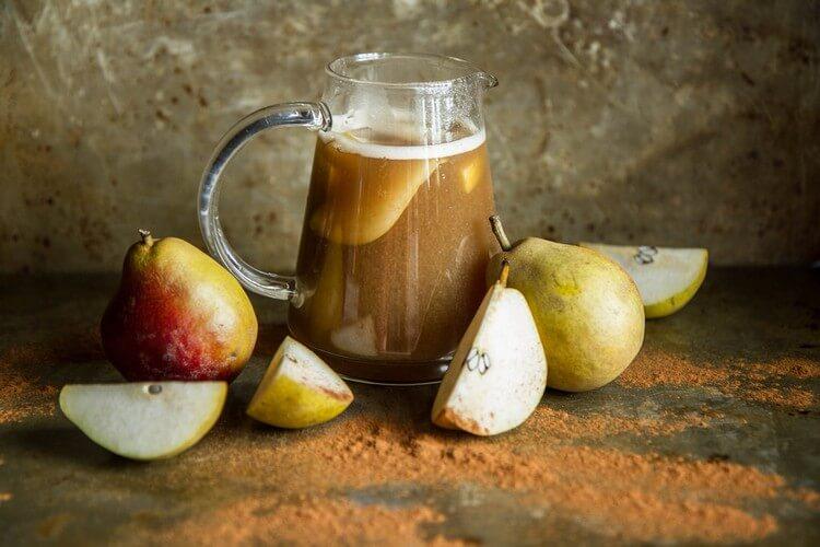 6 вкусных напитков из груш на зиму, с которыми простуды не страшны