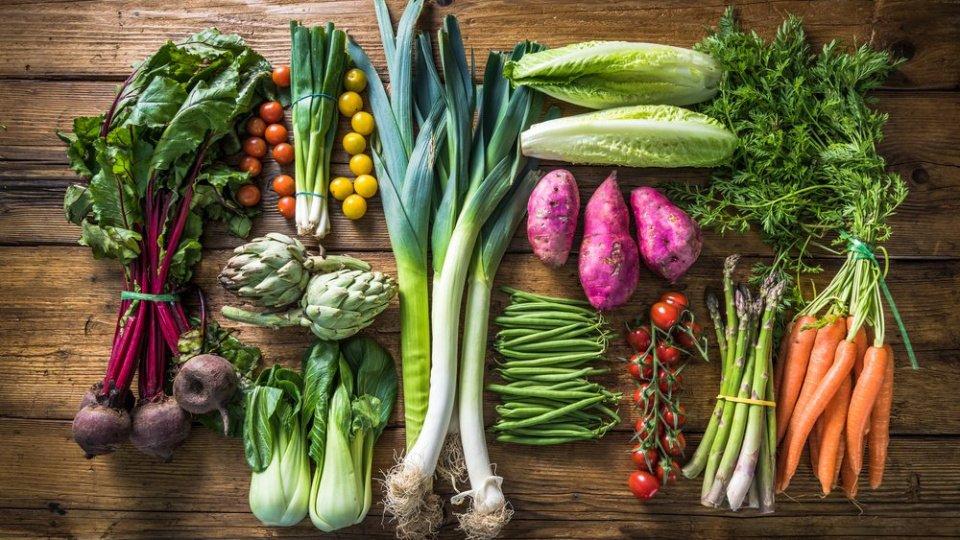 5 странных, но действенных способов хранения овощей