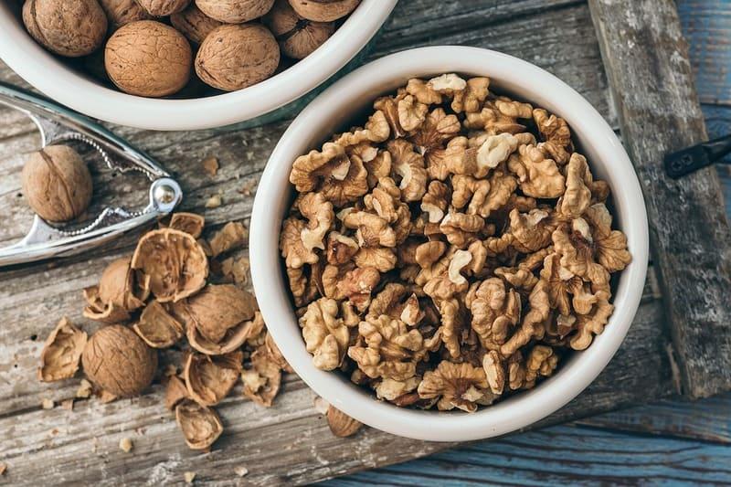 Как хранить грецкие орехи дома, чтобы они не портились