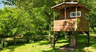 Деревянный домик-веранда