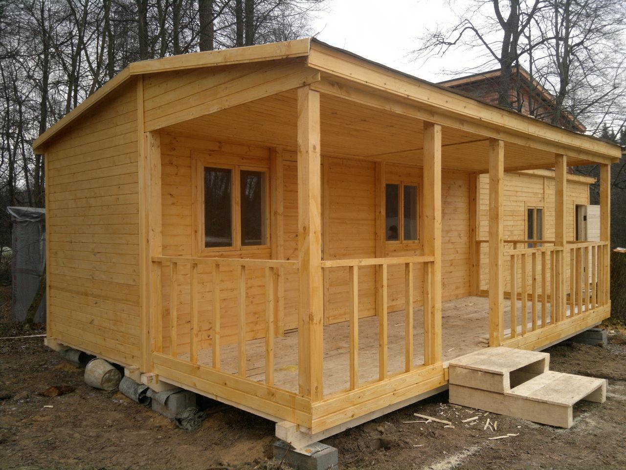 Особенности постройки хозблока 3 в 1: душ, туалет и сарай