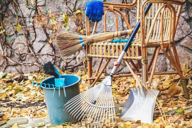 Закрытие дачного сезона: 7 обязательных дел, которые стоит сделать до наступления морозов