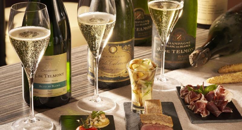 5 продуктов, которыми не стоит закусывать шампанское, чтобы 1 января было хорошее настроение