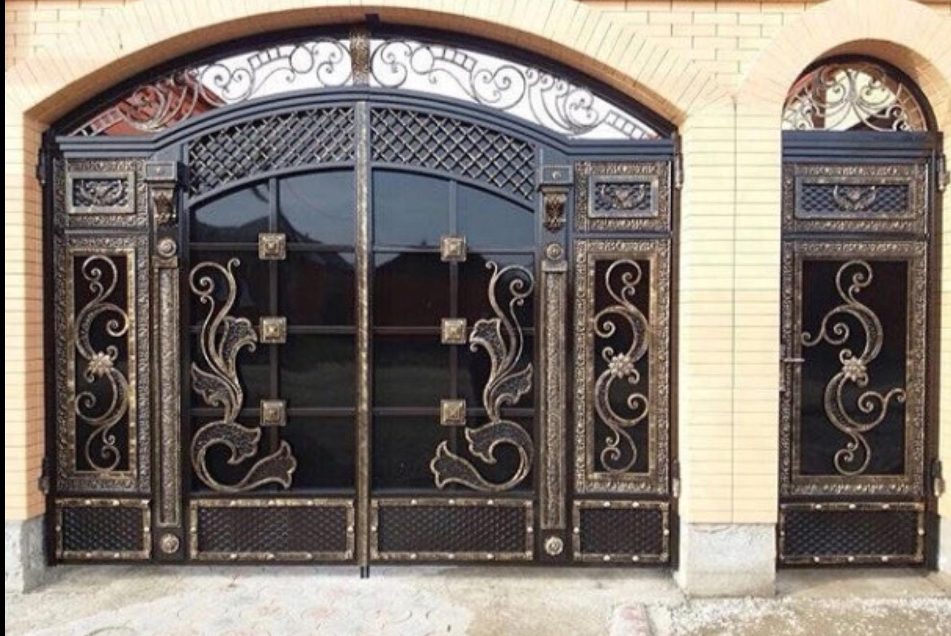Кованые ворота: виды, фото, технология монтажа